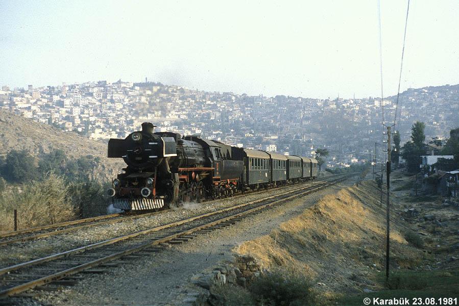 http://johannes-chlond.de/BILDERBC/public_html/TCDD1981/19810823B_56504_Izmir_bear_klein.jpg