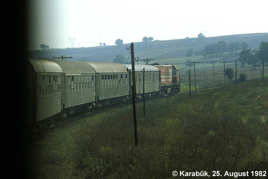 http://johannes-chlond.de/BILDERBC/public_html/TCDD1982/19820825_Istanbul-Express-Thrakia_klein.jpg