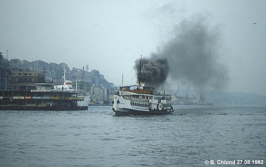 http://johannes-chlond.de/BILDERBC/public_html/TCDD1982/19820827_Dampfschiff_Istanbul_klein.jpg